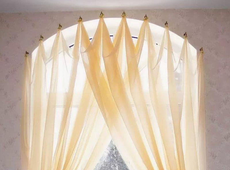 Подвешивание тюля без карниза на окно с аркой