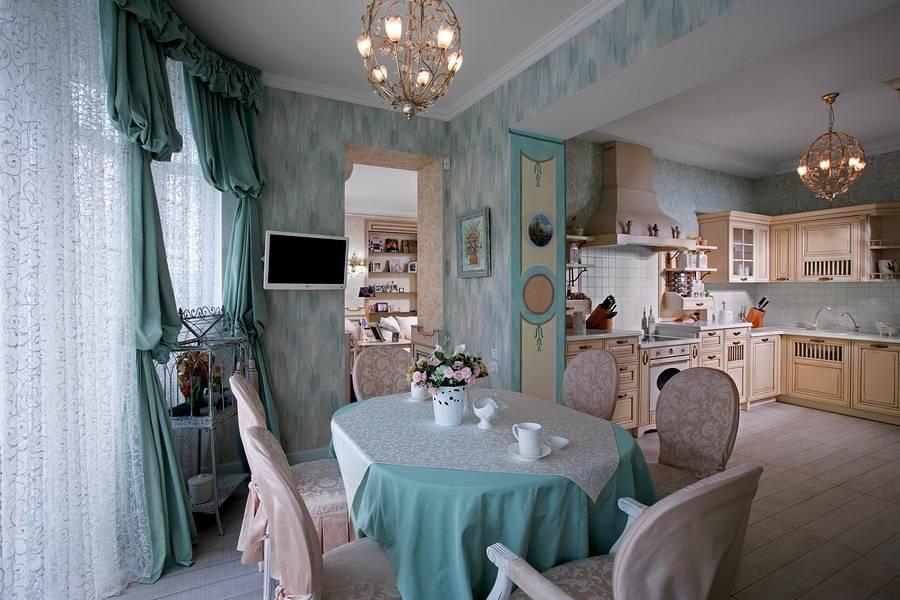 Интерьер кухни в стиле прованс с белым тюлем