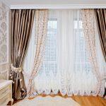 Красивые шторы в спальной комнате
