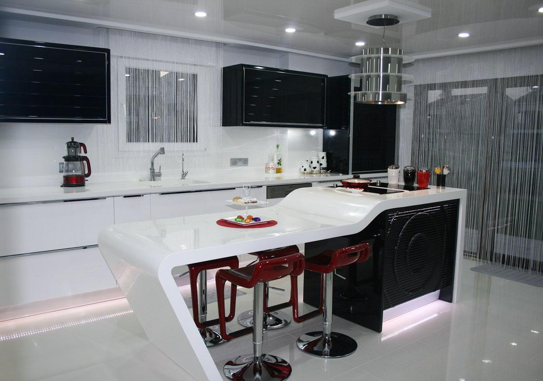 нитяные шторы на кухне