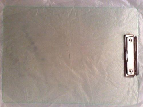 планшет для бумаг в качестве коврика