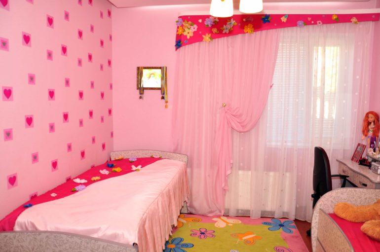 розовый тюль в детскую