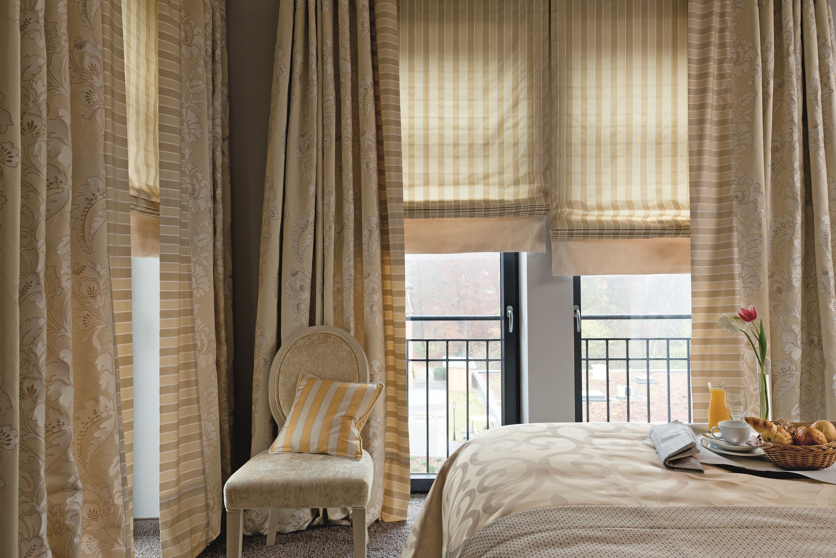 шторы на панорамные окна декор идеи