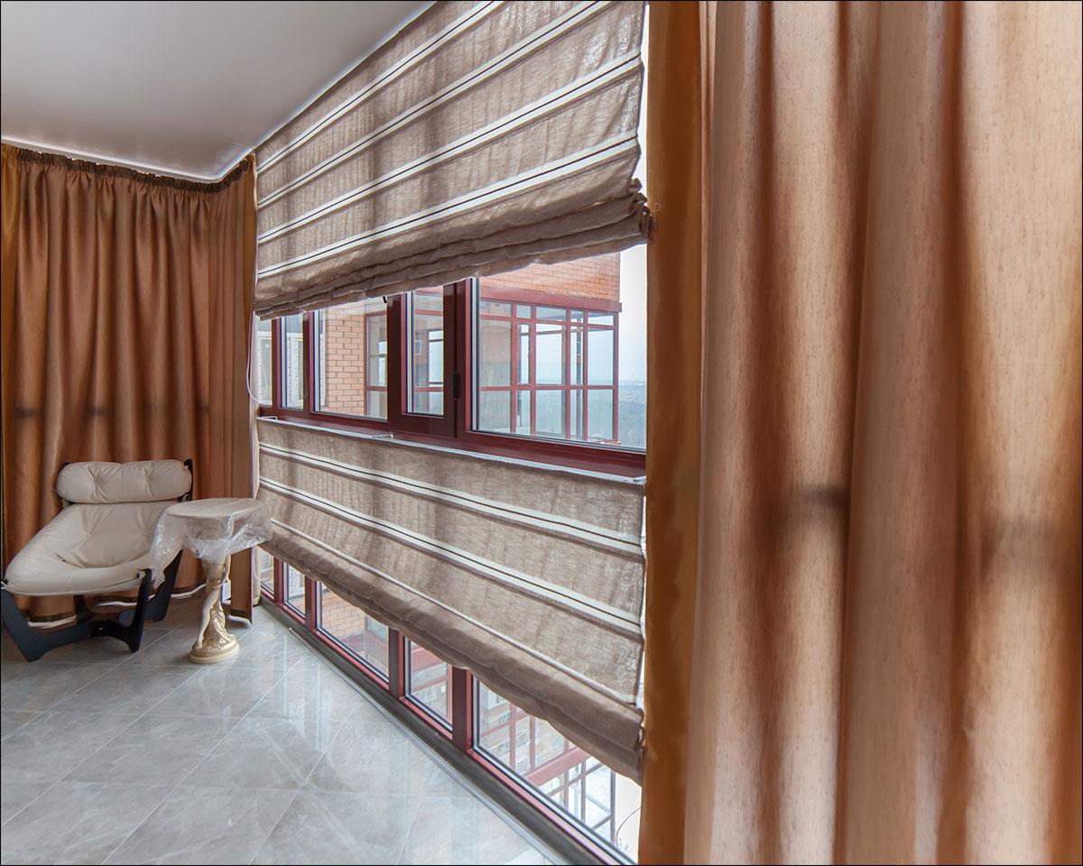 шторы на панорамные окна фото интерьера