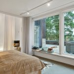 шторы на панорамные окна оформление