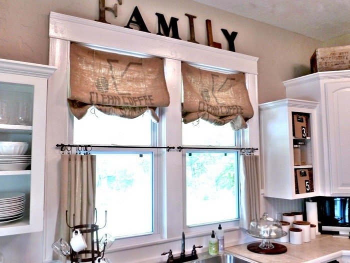 шторы на маленькие окна оформление идеи