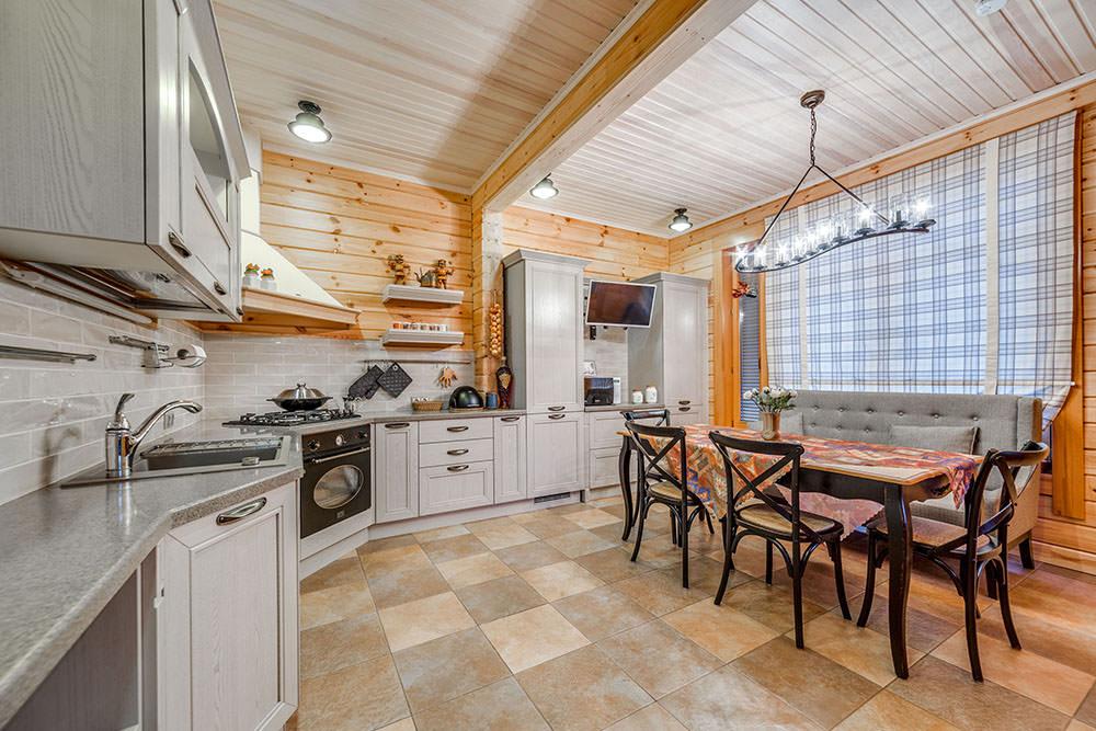 шторы в деревянном доме дизайн интерьера