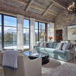 шторы в деревянном доме фото стиль