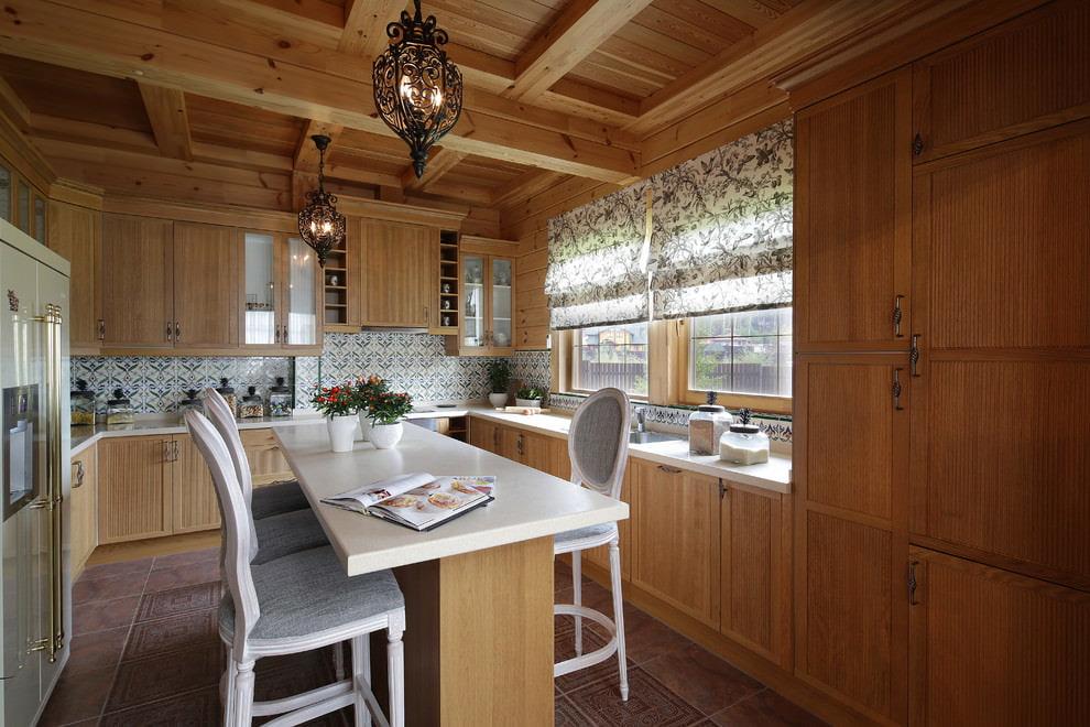 шторы в деревянном доме выбор фото
