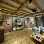 шторы в деревянном доме в эко стиле