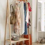 напольная вешалка для одежды интерьер