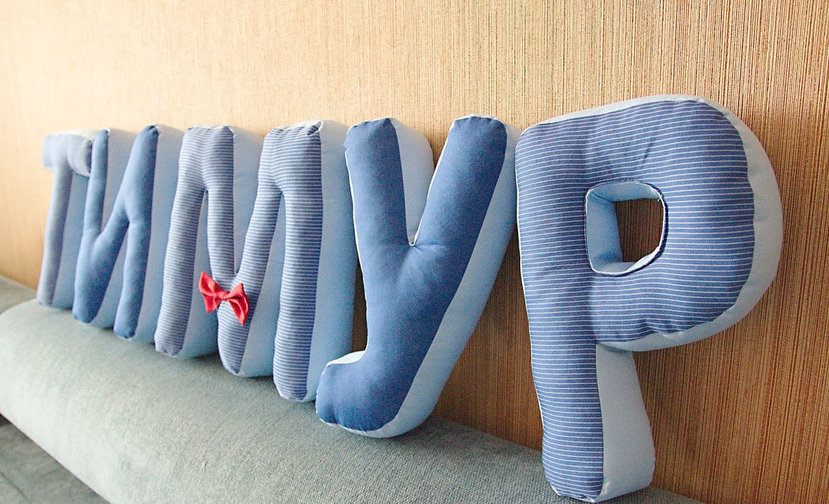 буквы подушки обзор