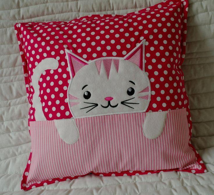 подушка котенок