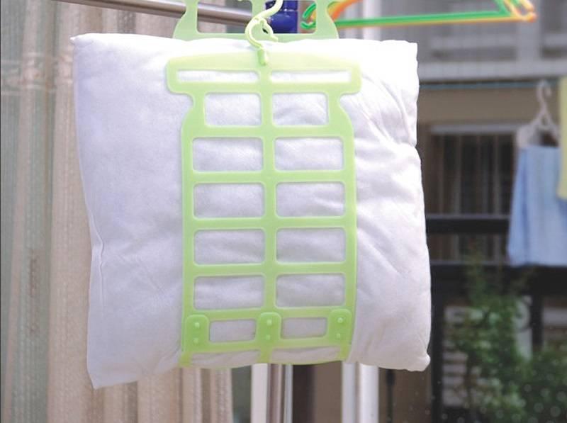 как стирать подушки из холлофайбера