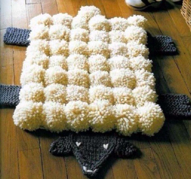 коврик из помпонов
