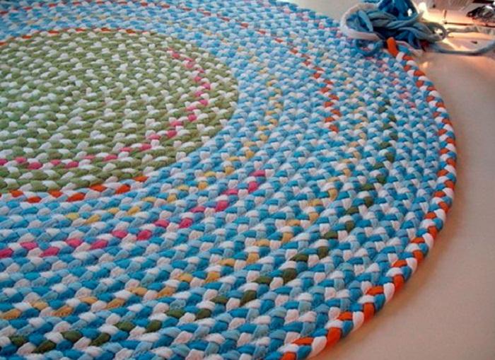 коврик из футболок косы
