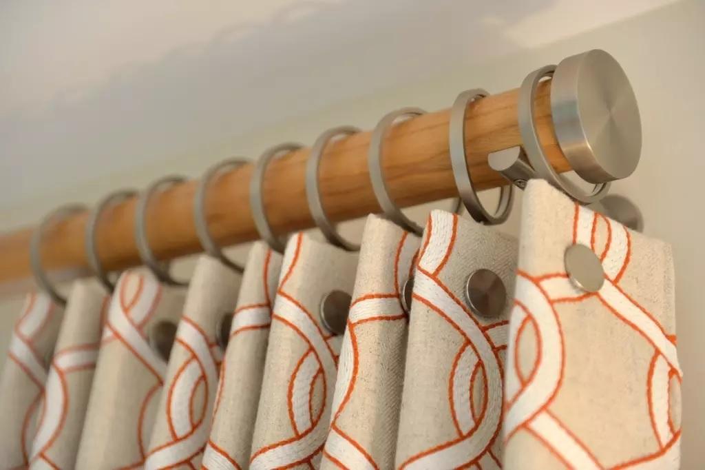 шторы на кольцах крепления