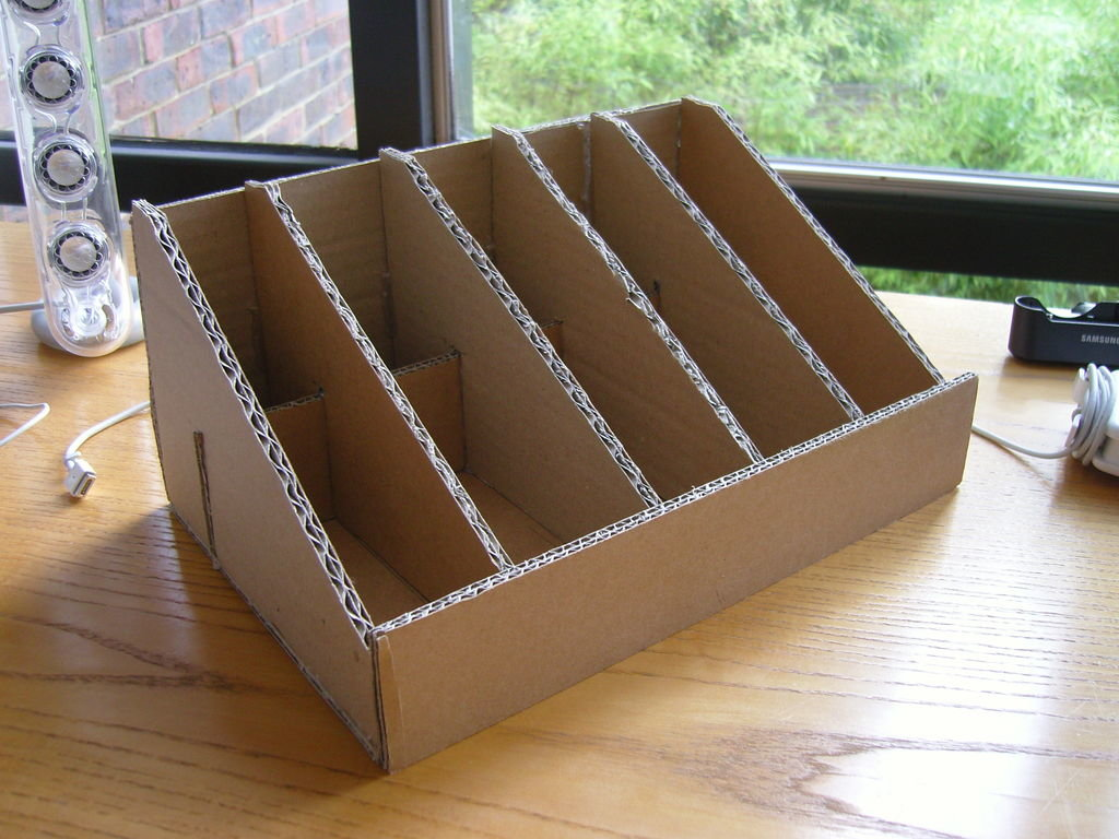 подставка держатель для книг из картона фото