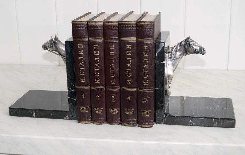 подставка держатель для книг мрамор