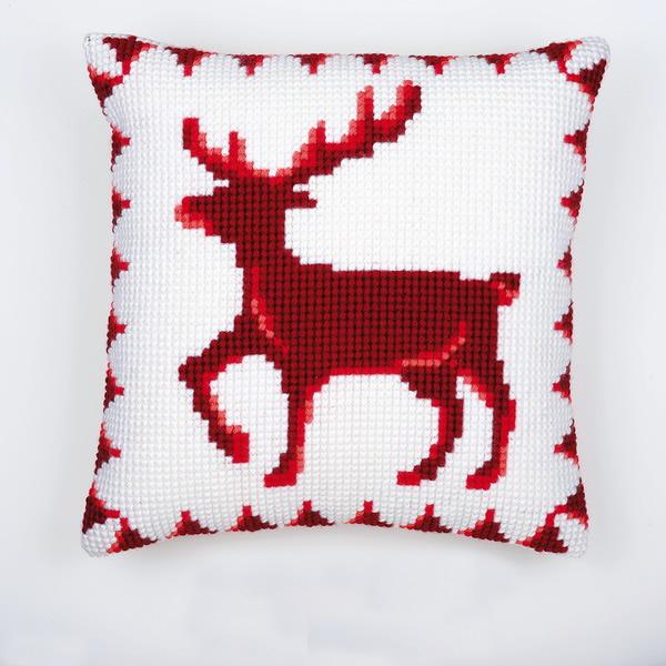 подушка красный олень в белом