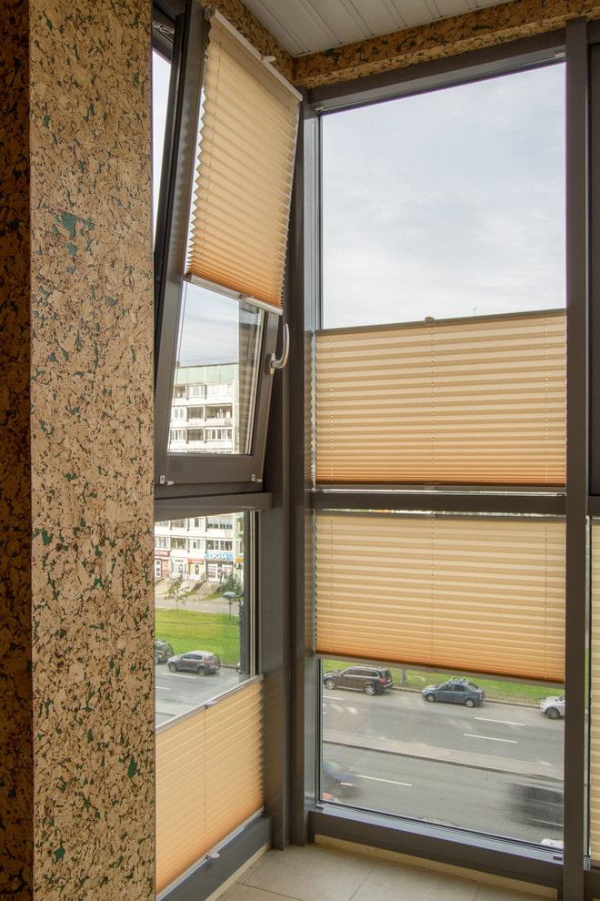 плиссе шторы на балкон