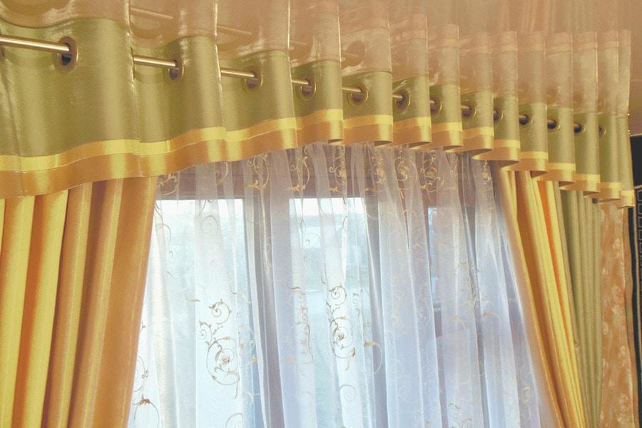 шторы на люверсах ламбрекен