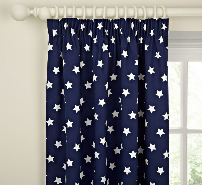 шторы со звездами интерьер