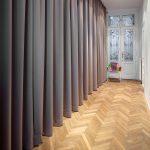 шторы в гардеробную вместо дверей фото интерьера