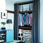 шторы в гардеробную вместо дверей фото оформления