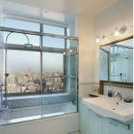 стеклянная шторка для ванной декор