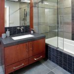 стеклянная шторка для ванной варианты