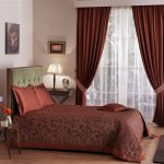 выбираем комплект из штор и покрывала для спальни фото декор