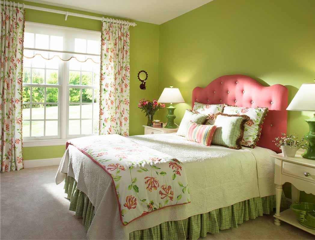 комплект из штор и покрывала для спальни фото варианты