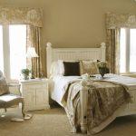 выбираем комплект из штор и покрывала для спальни идеи интерьера