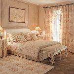выбираем комплект из штор и покрывала для спальни варианты