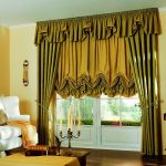 короткие шторы в гостиную