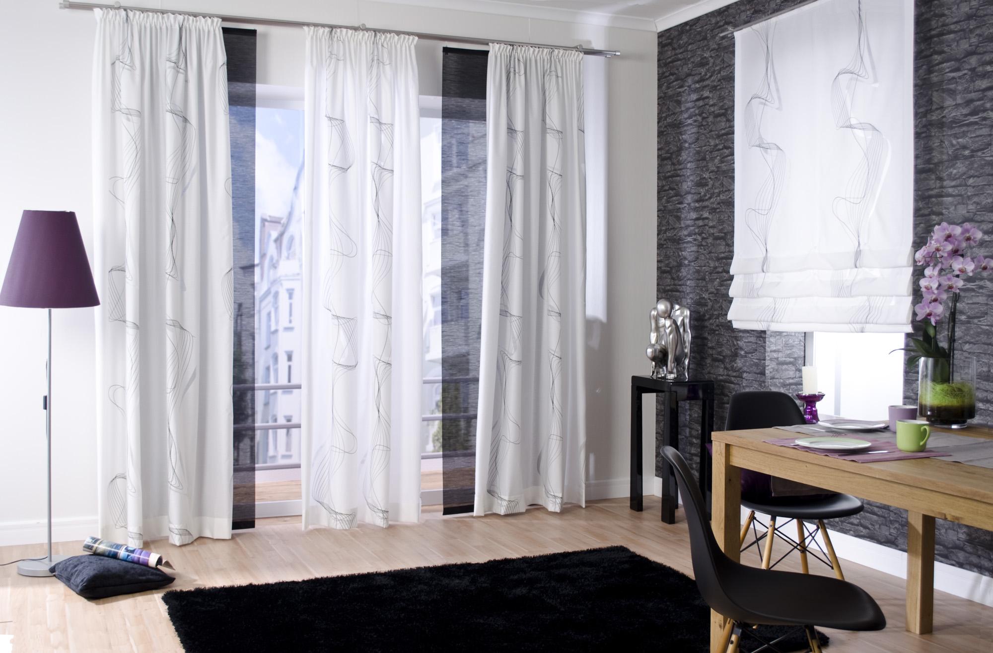 белые шторы в гостиной дизайн