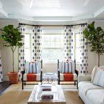 белые шторы в гостиной интерьер идеи