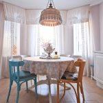 белые шторы в гостиной идеи дизайна
