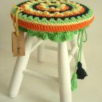 вязаные чехлы на стулья и табуреты декор