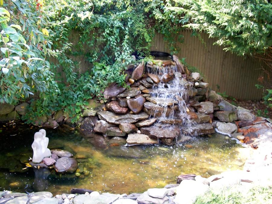 дачный водопад