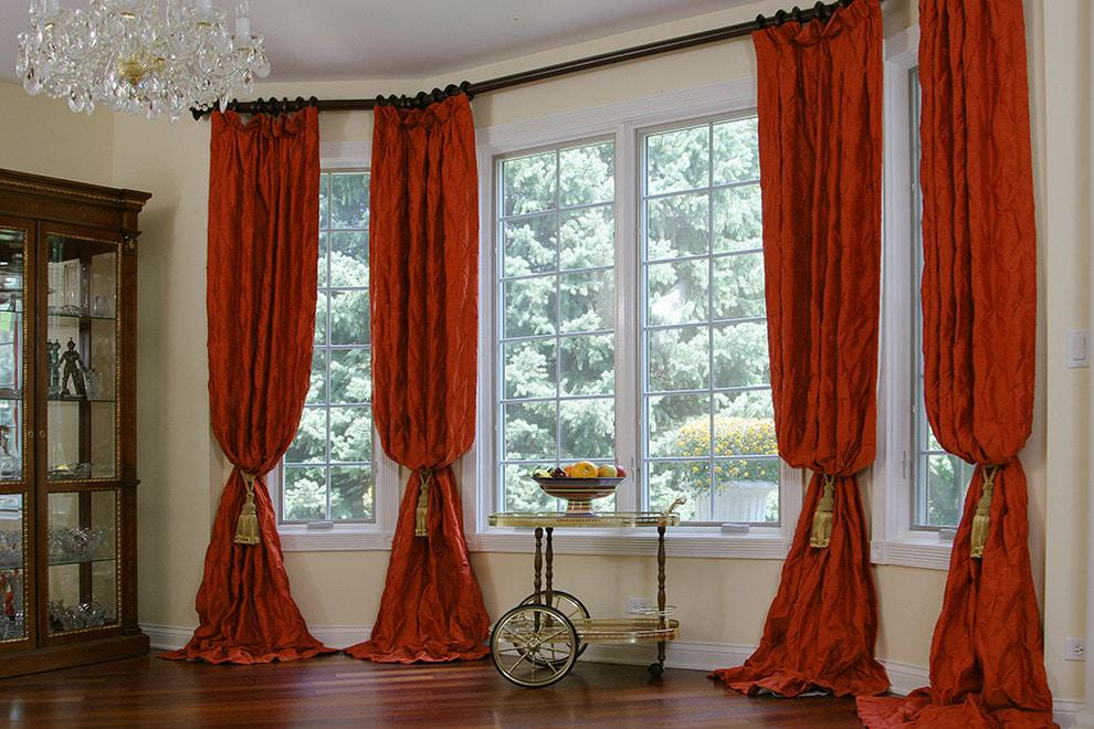красные шторы идеи оформление