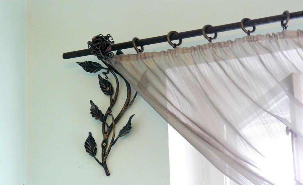 металлические настенные карнизы декор