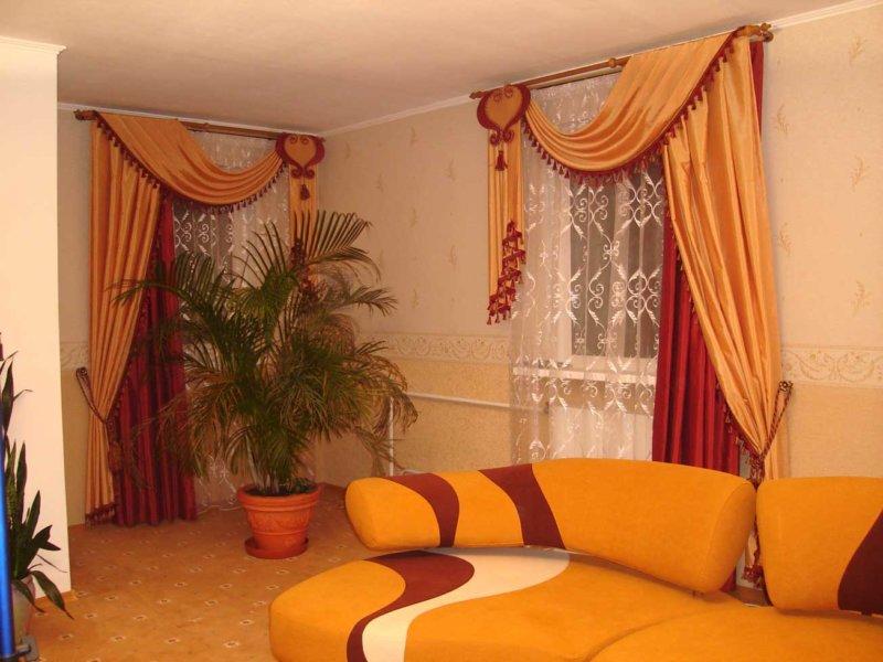 оранжевые шторы барокко
