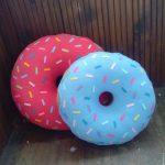 подушка пончик дизайн