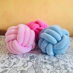 подушка узел разных цветов