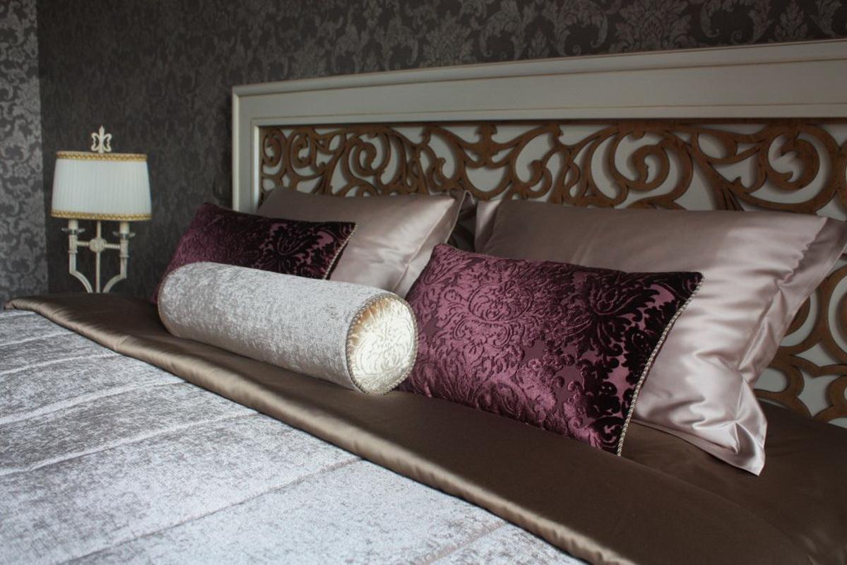 подушка валик фото идеи