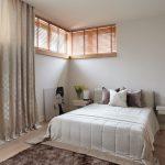 прикроватные классические коврики для спальни фото