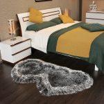 прикроватные классические коврики для спальни идеи оформления