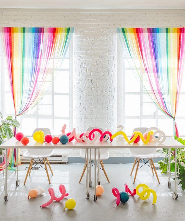 радужные шторы на кухне